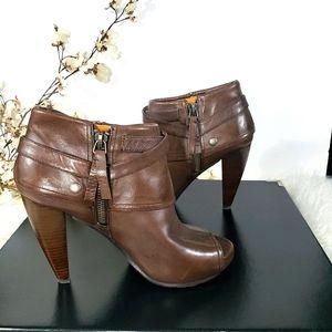 NINE WEST brown Highstep peep toe heeled booties